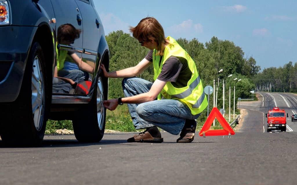 Come diventare soccorritore stradale. Che autorizzazioni servono, patente e carro attrezzi per fare soccorso stradale