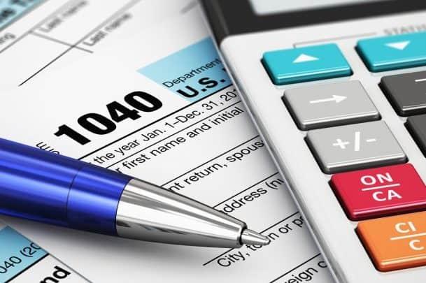 Che cos'è il regime forfettario? Costi, adempimenti, requisiti, vantaggi e svantaggi.