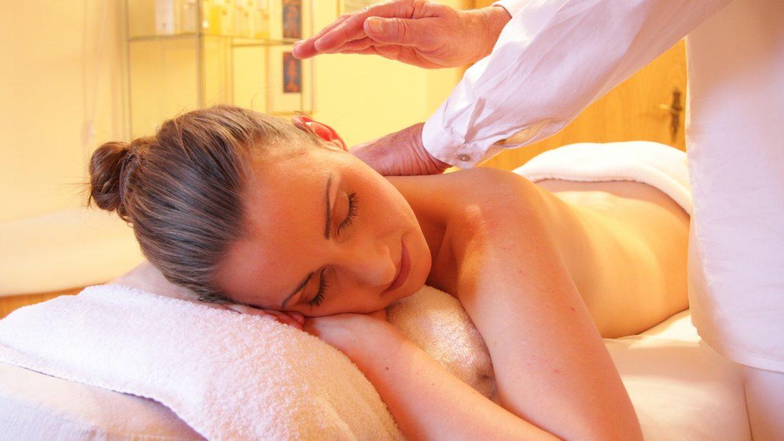 Come diventare massaggiatore: chi è il massaggiatore, come diventarlo, le tipologie esistenti, le normative da rispettare e i possibili guadagni